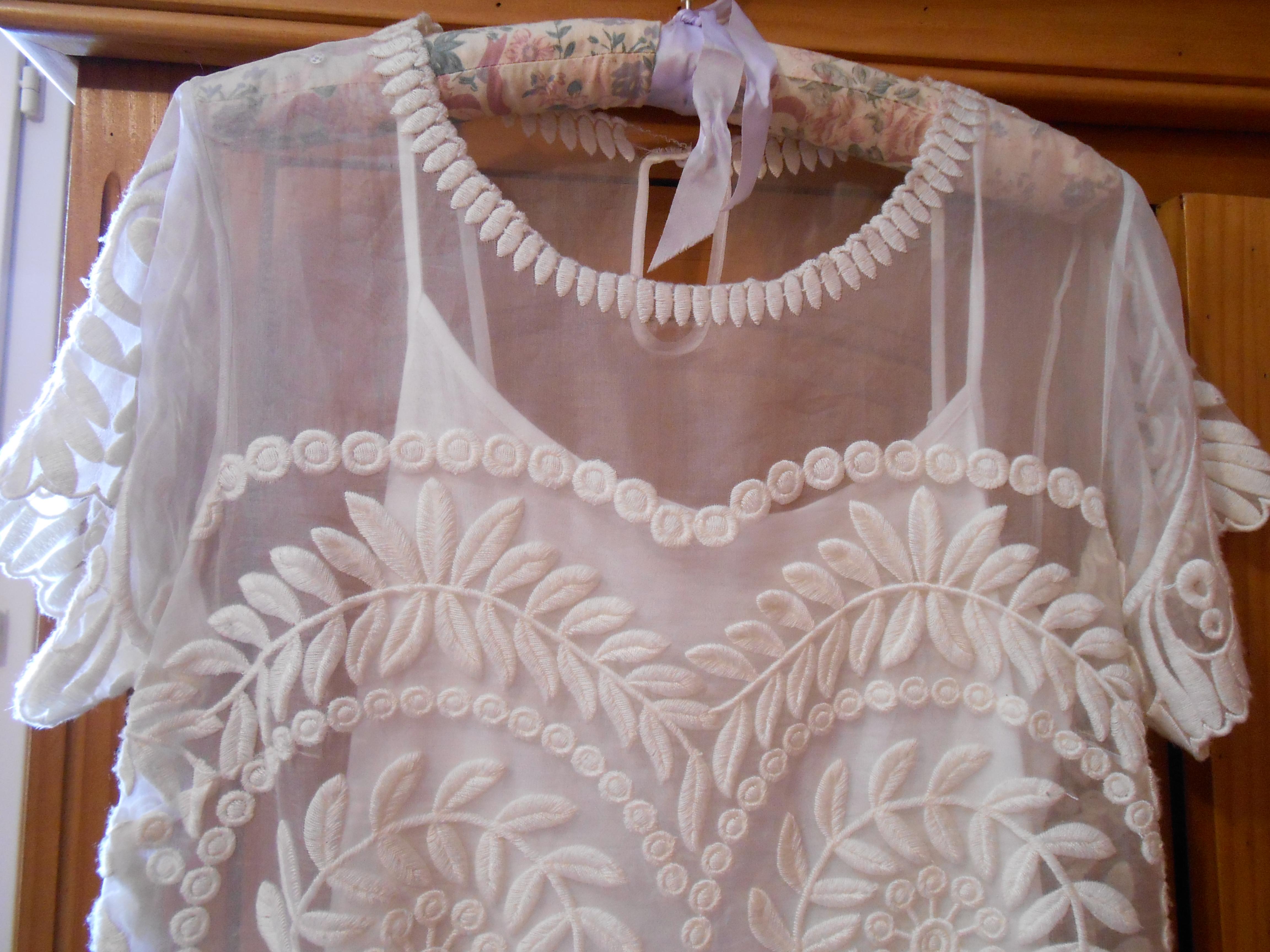Robe maje blanche fleurs