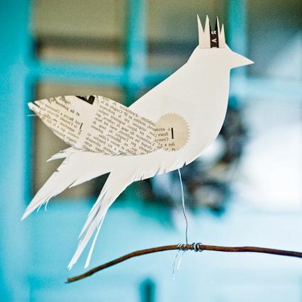 oiseau papier blanc
