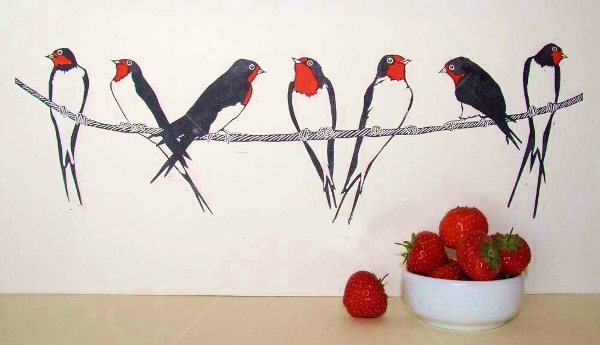Swallows-and-strawberries (600x345)